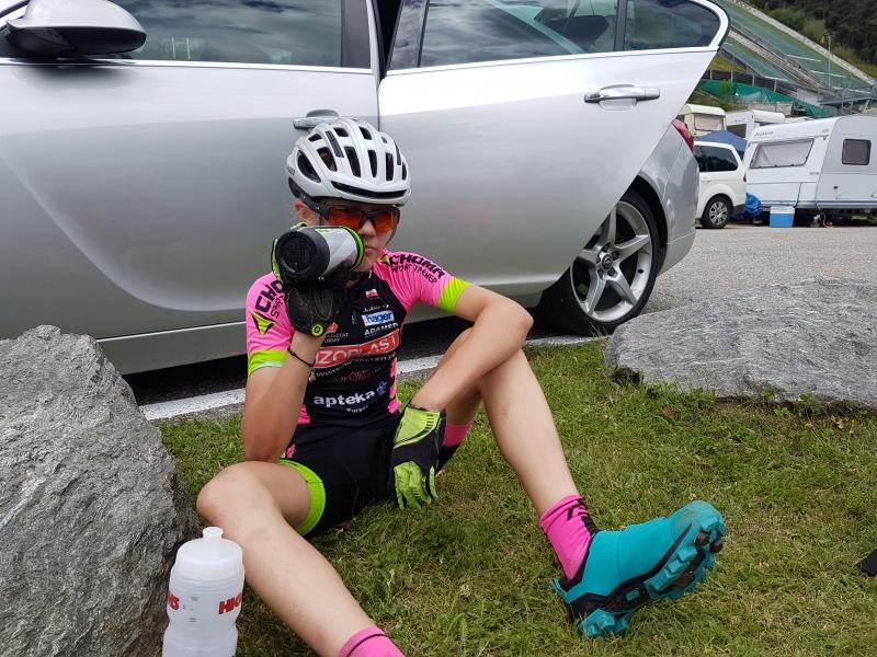 Piękna jazda i waleczna postawa Laury na Pucharze Austrii w Alpach.